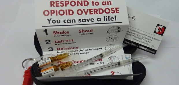 naloxonen kit