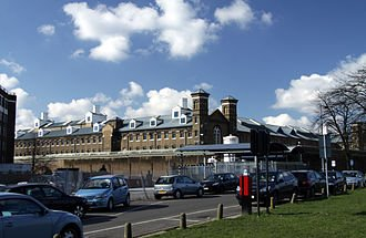 330px-HM_Prison_Wormwood_Scrubs_in_spring_2013_(4)