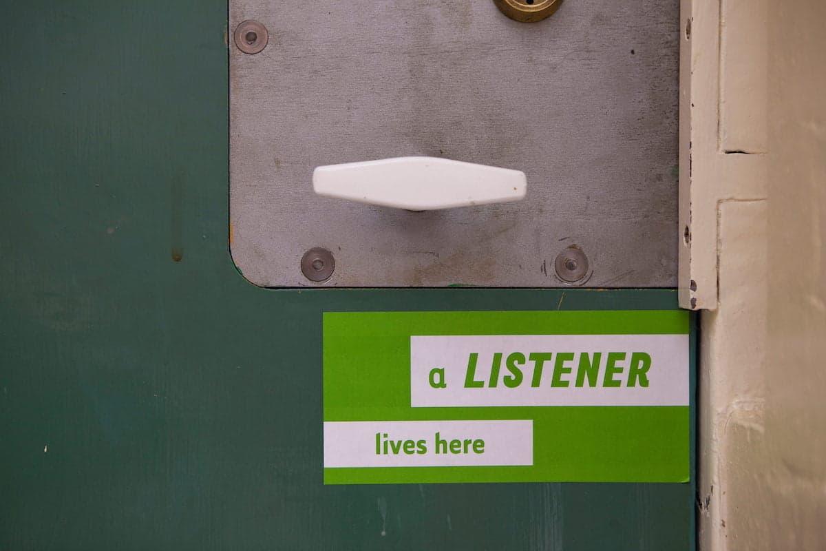 Listener lives here